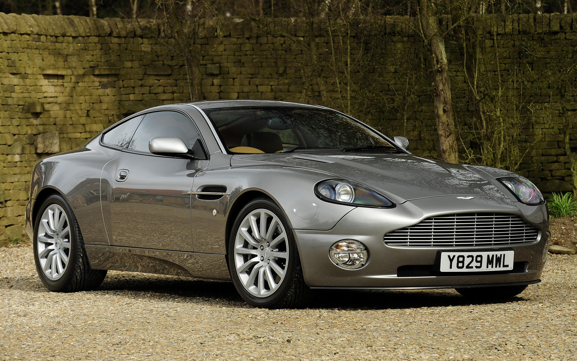 2001 Aston Martin Vanquish Download