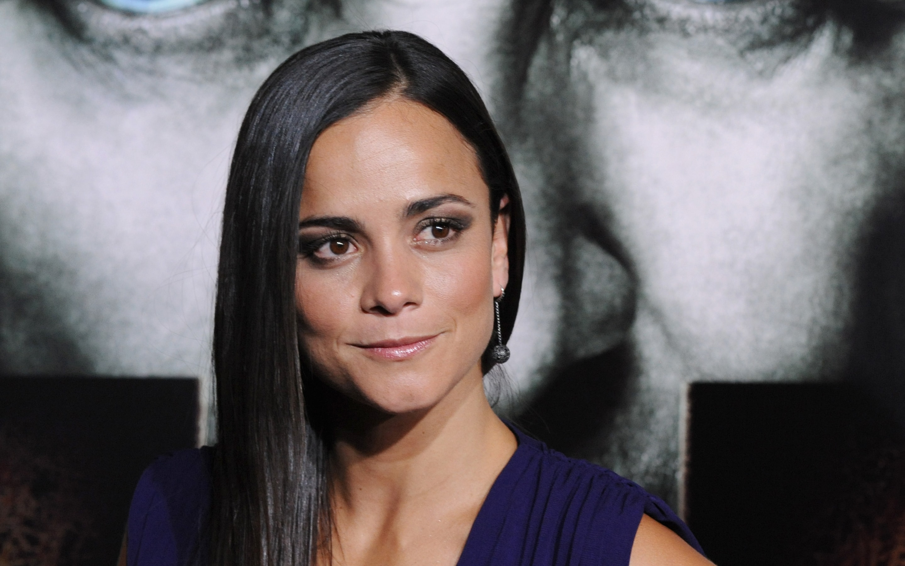Alice Braga Download