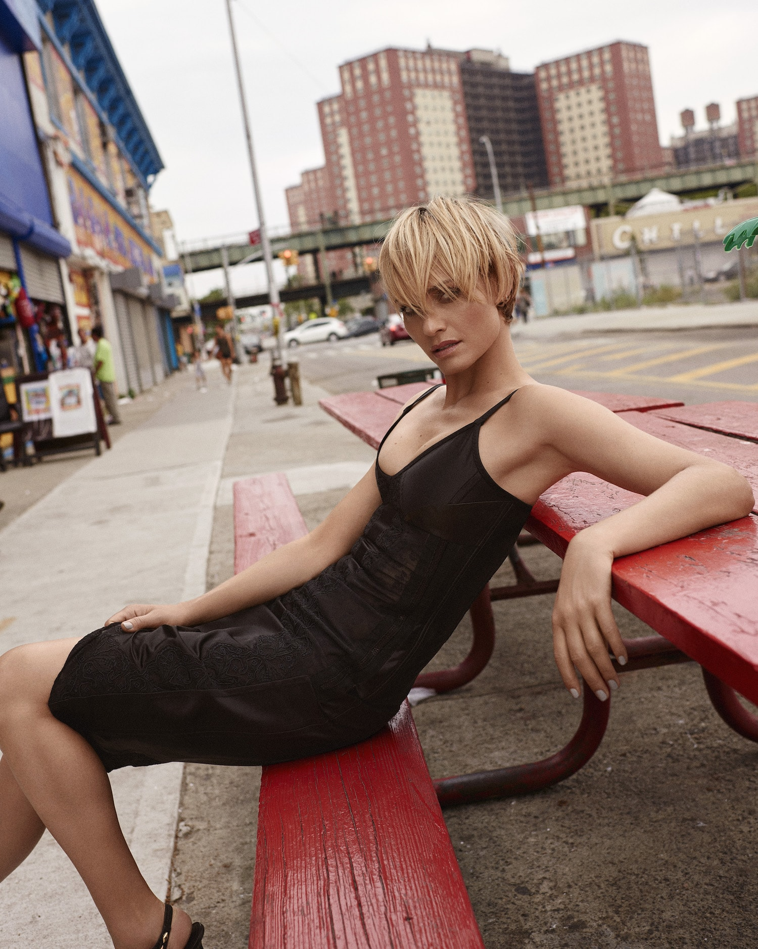 Amber Valletta Download