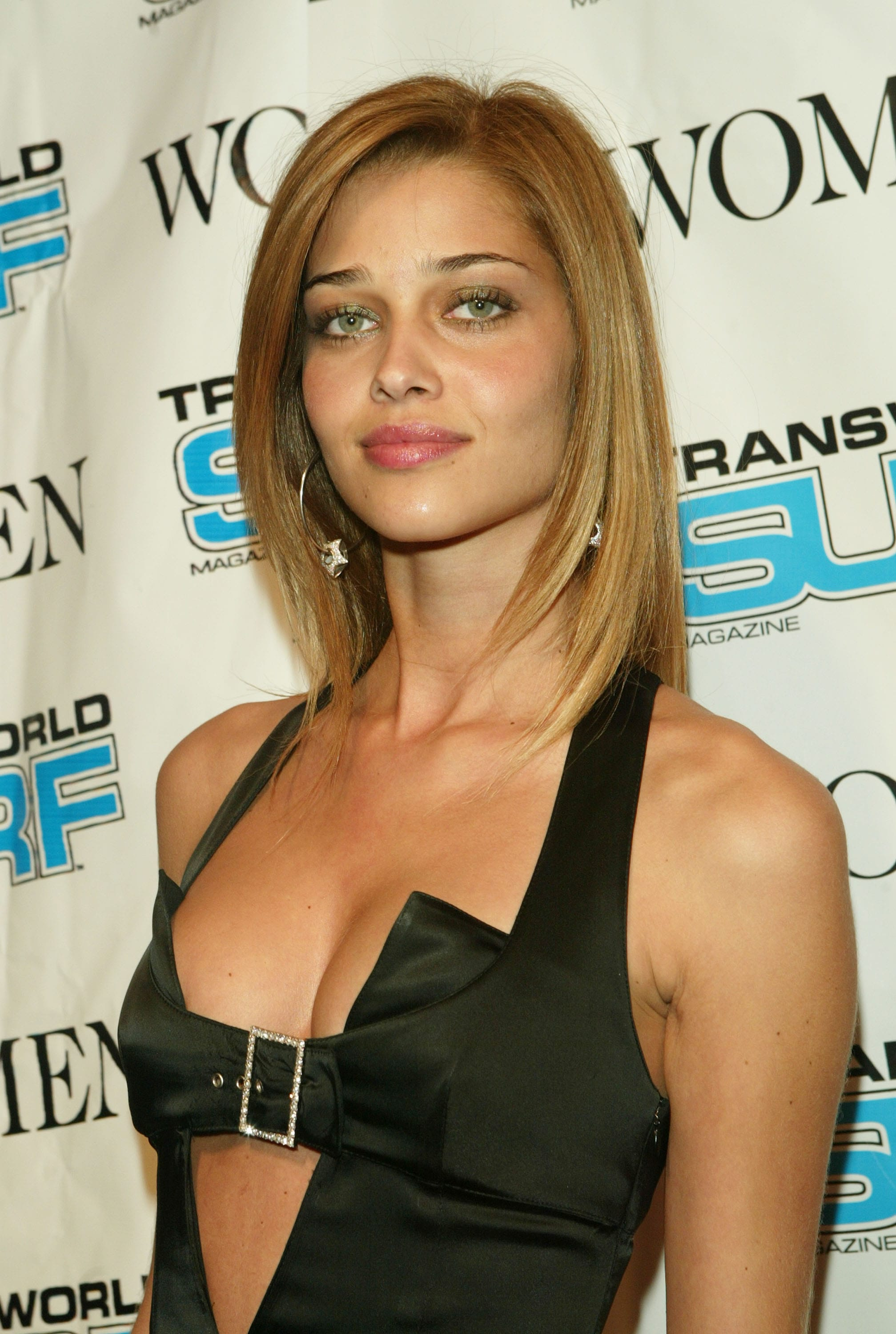 Ana Beatriz Barros Download