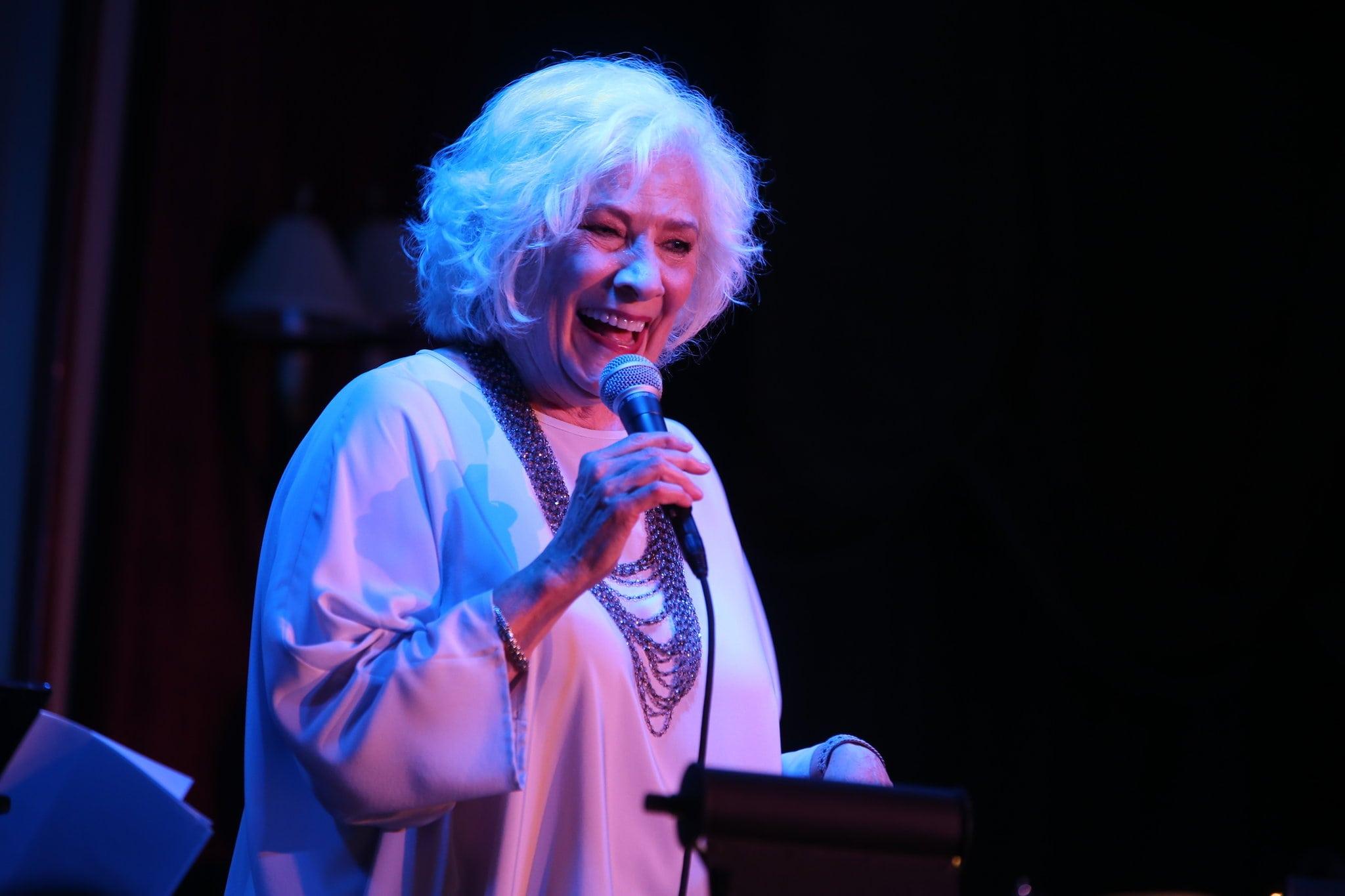 Betty Buckley Download
