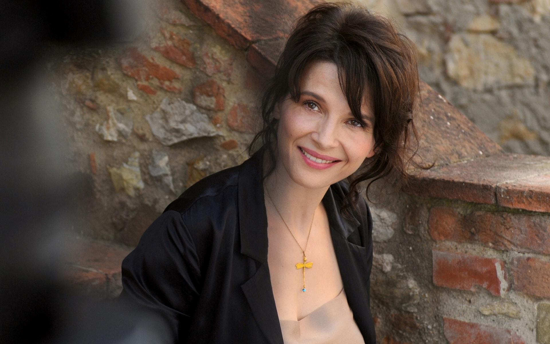 Juliette Binoche Download
