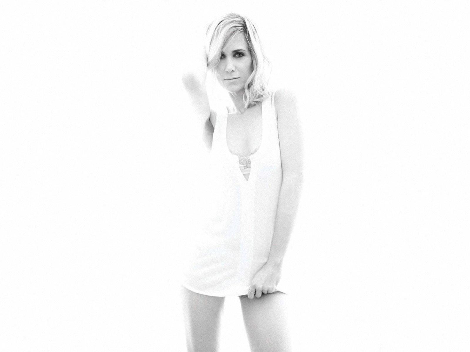 Kristen Wiig Download