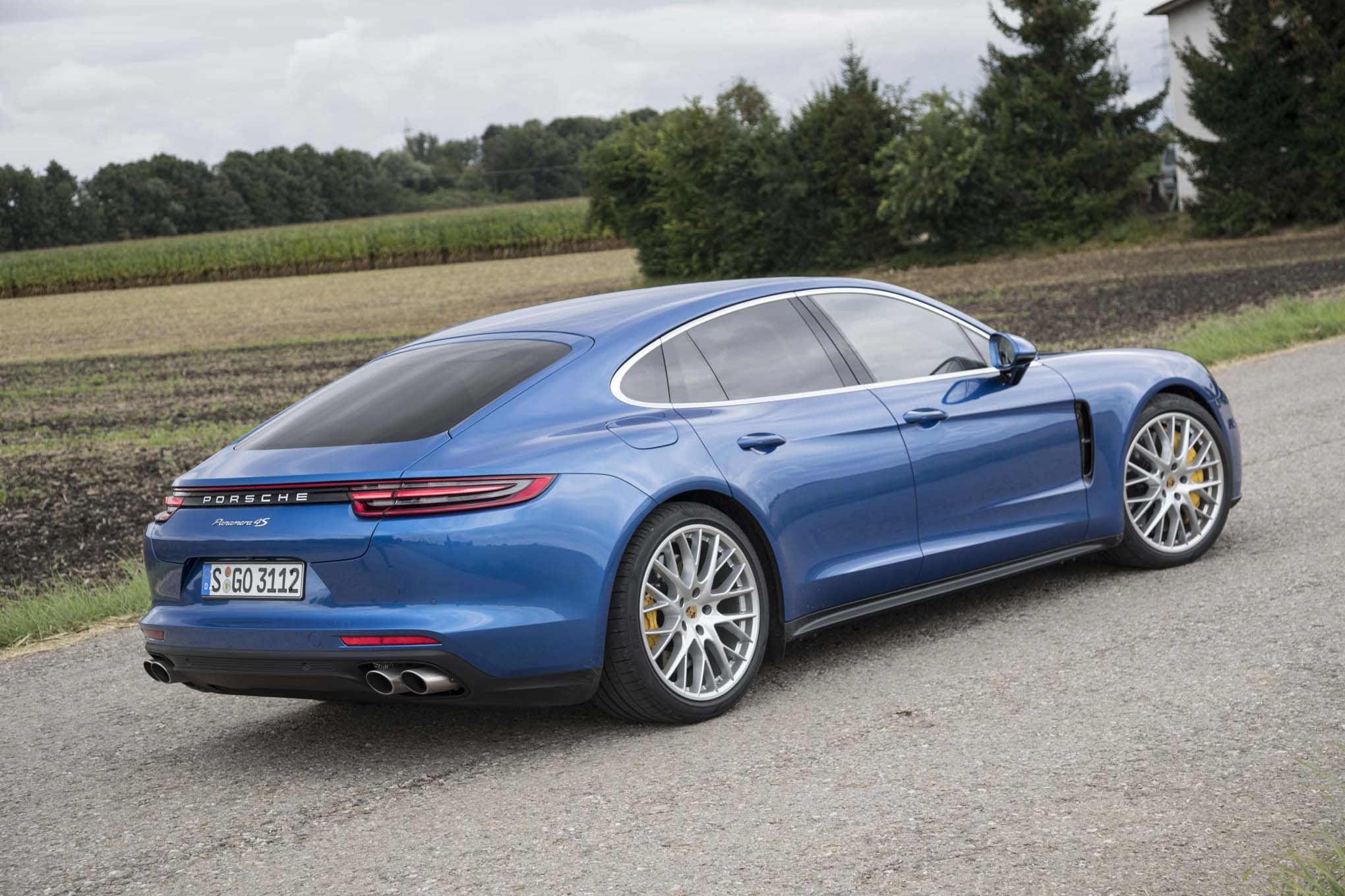 Porsche Panamera 2 Download