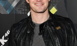 Robert Buckley HD