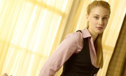 Sarah Gadons Download