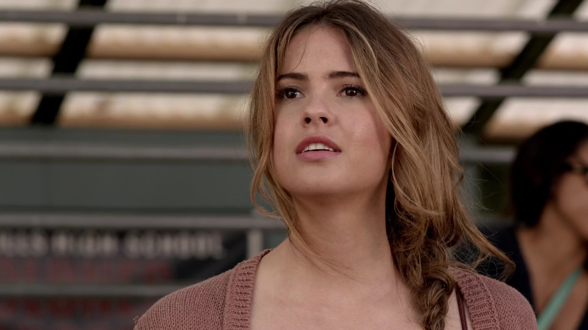 Shelley Hennig Download