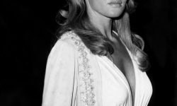 Ursula Andress Download