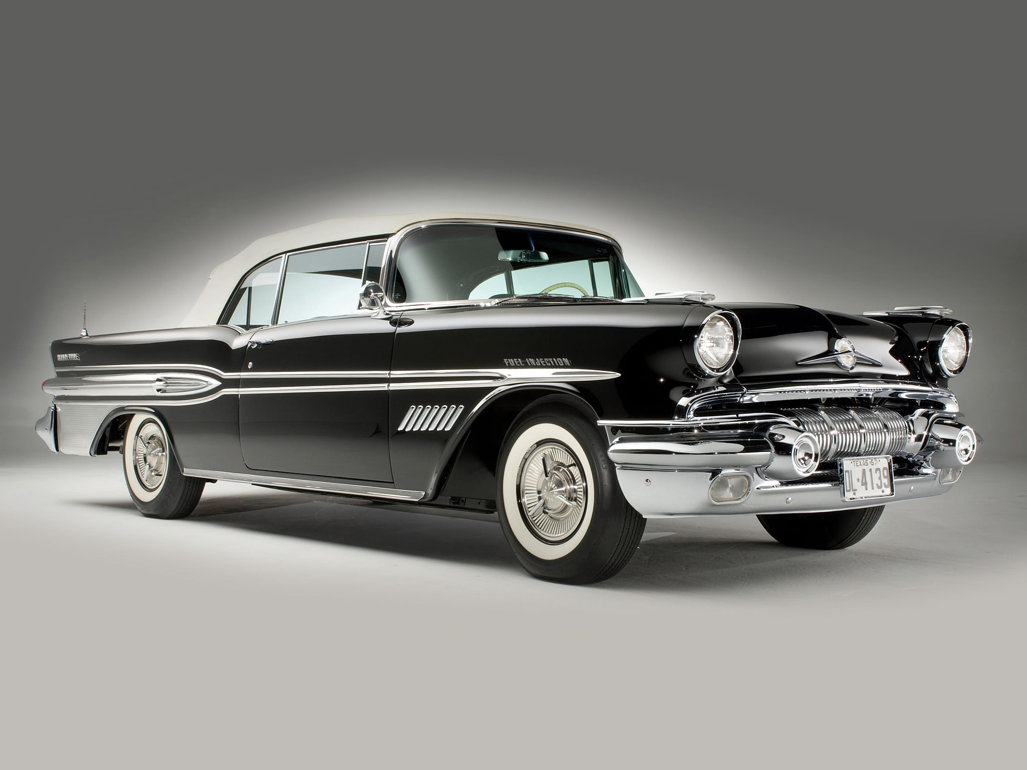 1957 Pontiac Star Chief Custom Bonneville Wallpapers