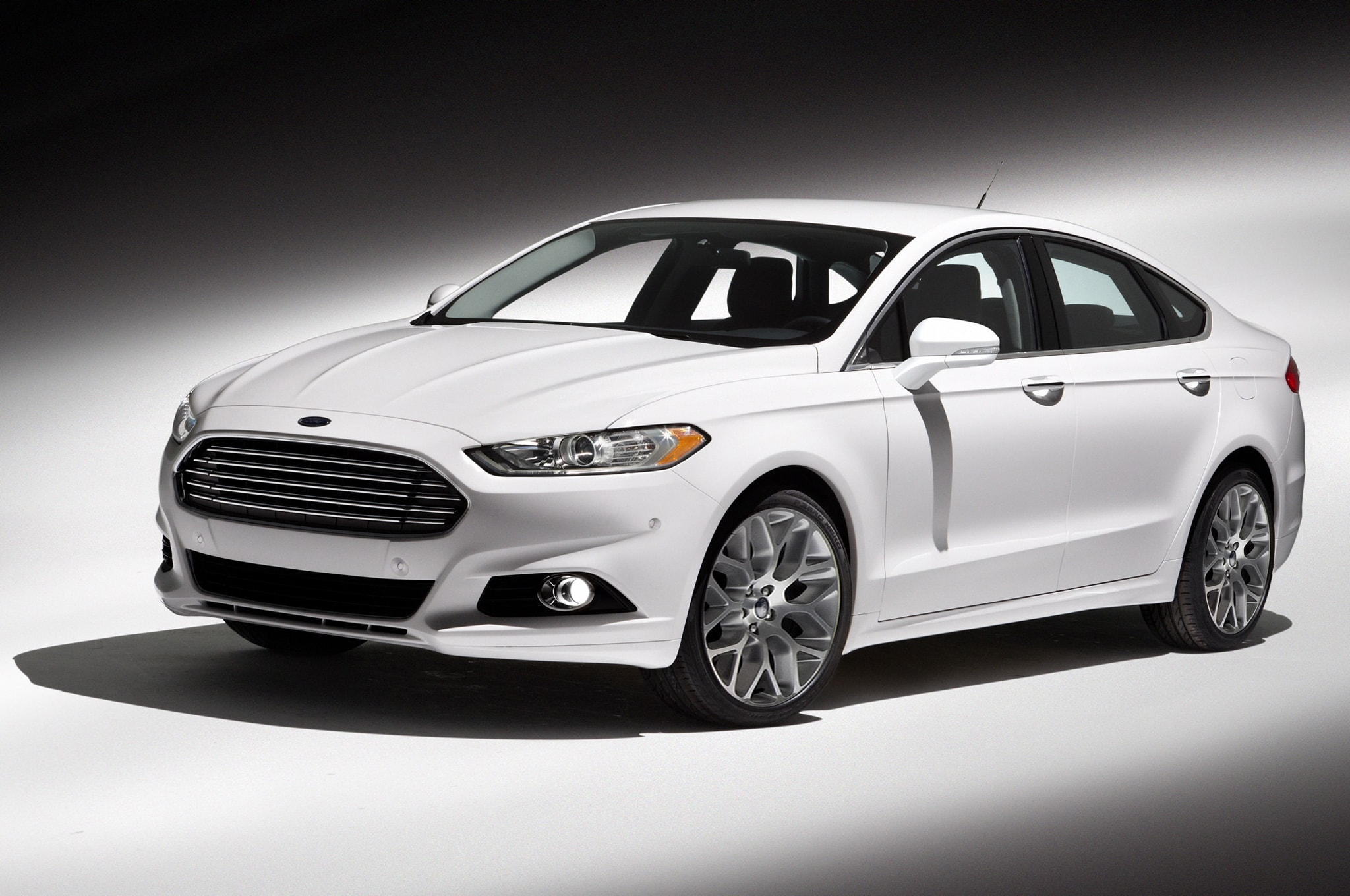 2013 Ford Fusion Wallpapers
