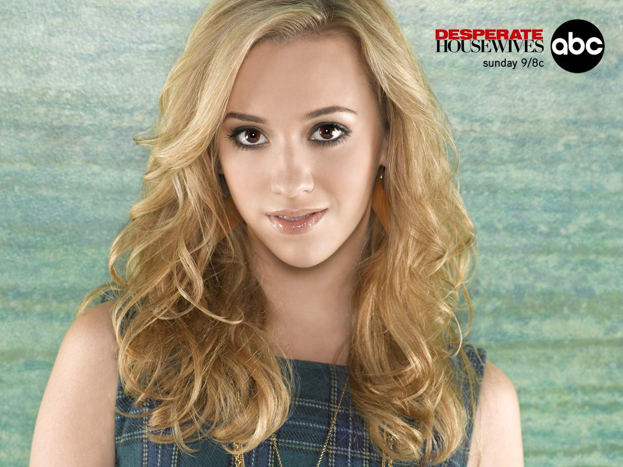 Andrea Bowen Wallpapers