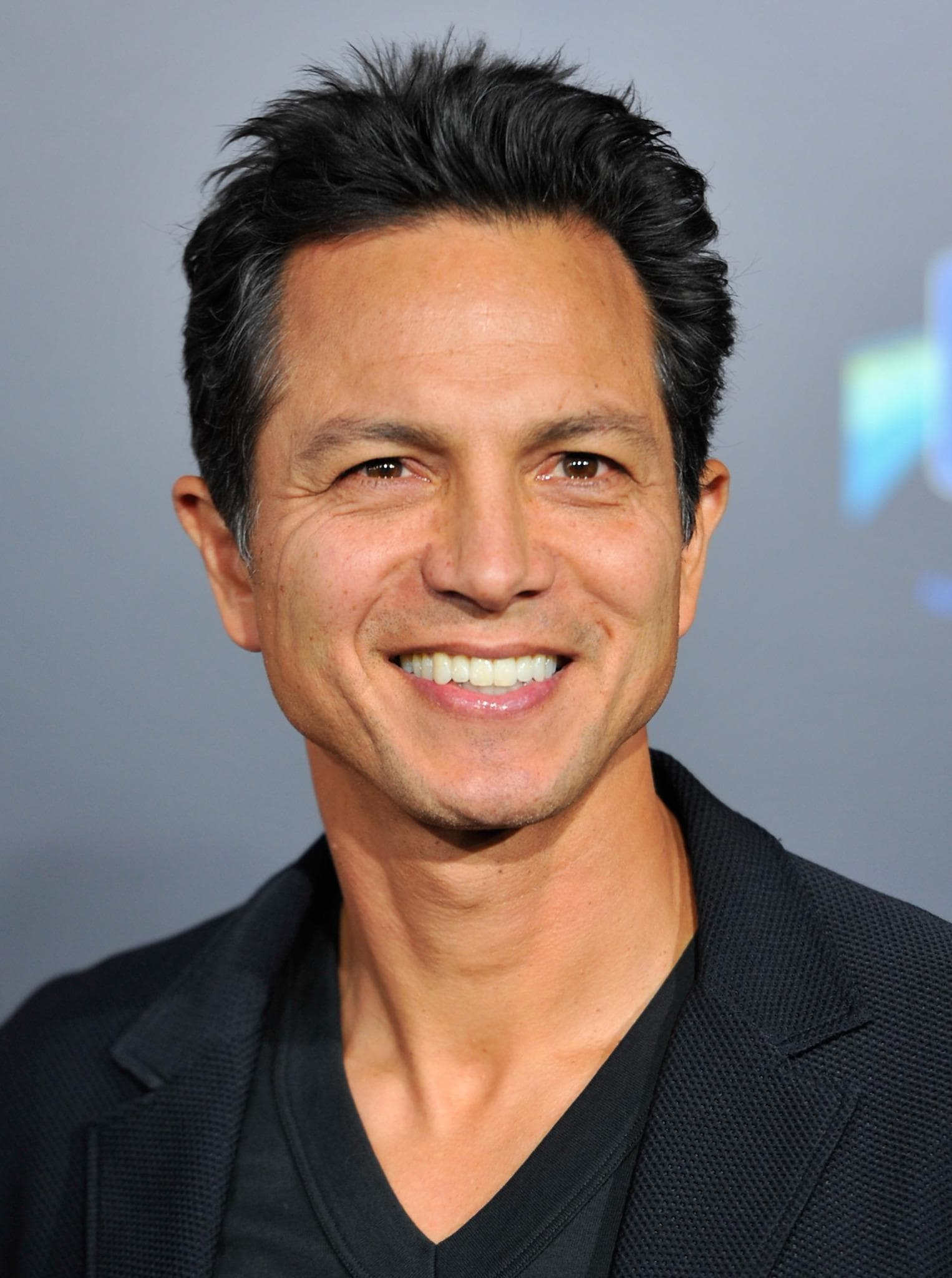 Benjamin Bratt widescreen wallpapers