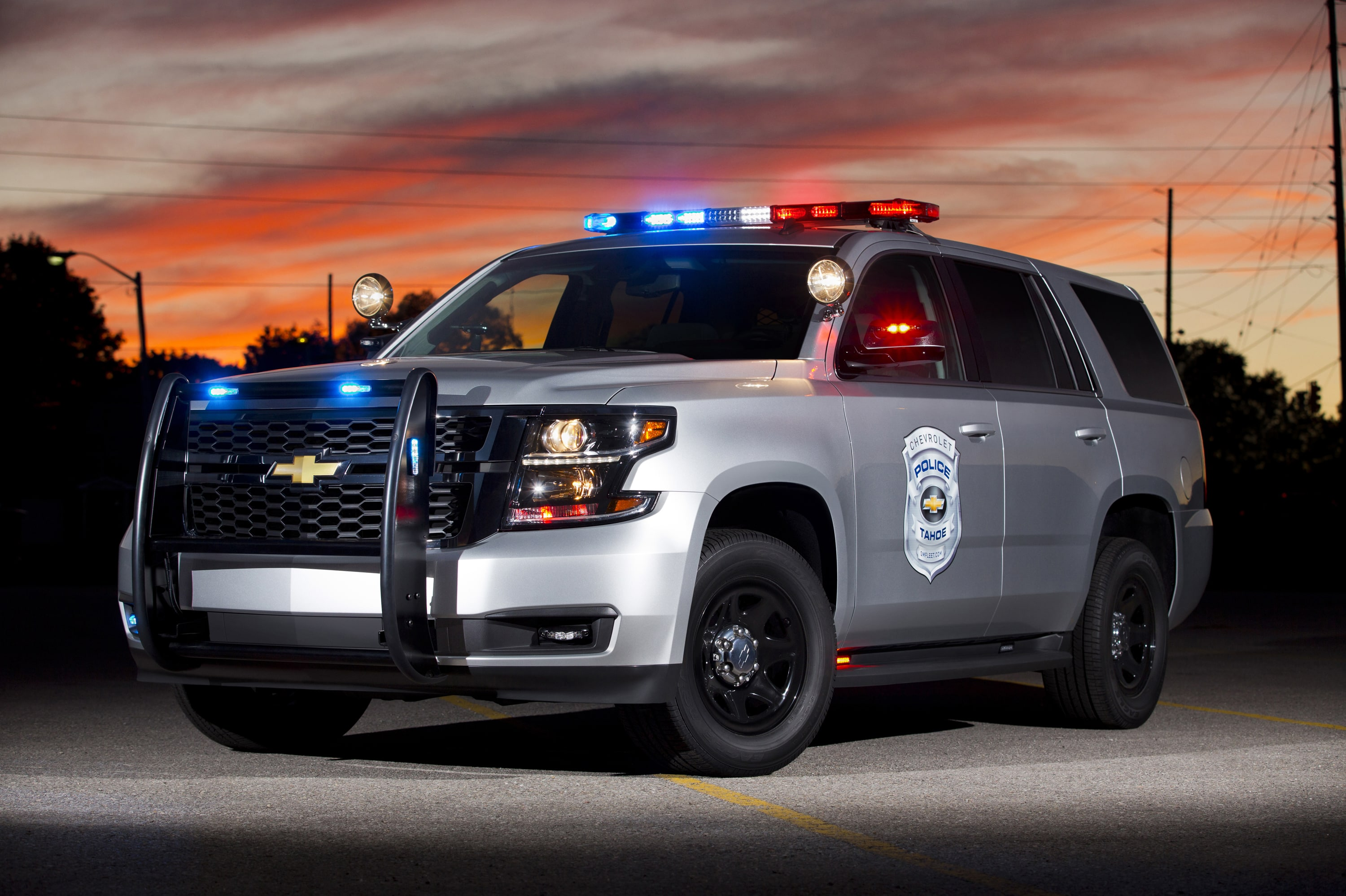 Chevrolet Tahoe 4 Wallpapers