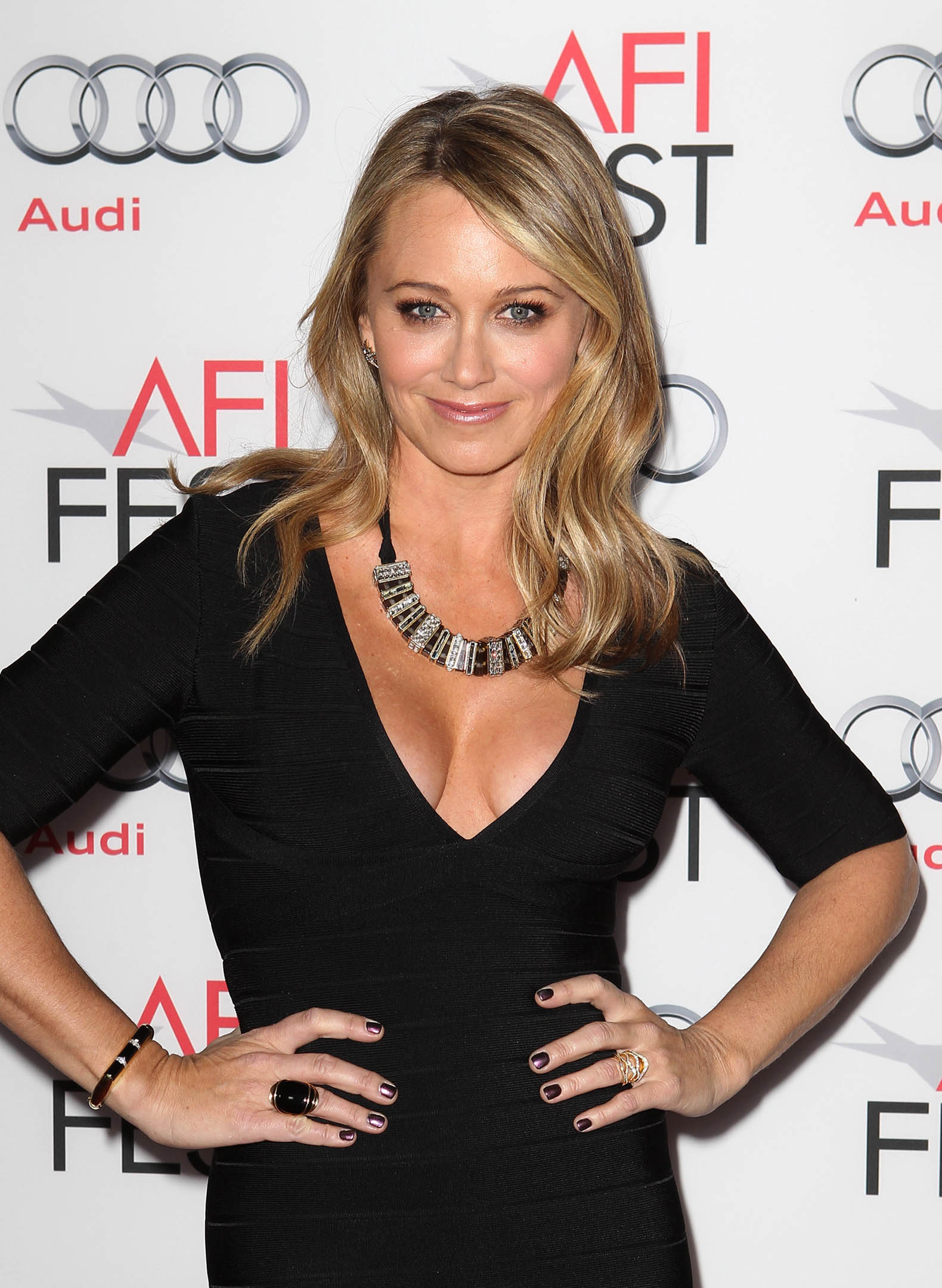 Christine Taylor Wallpapers