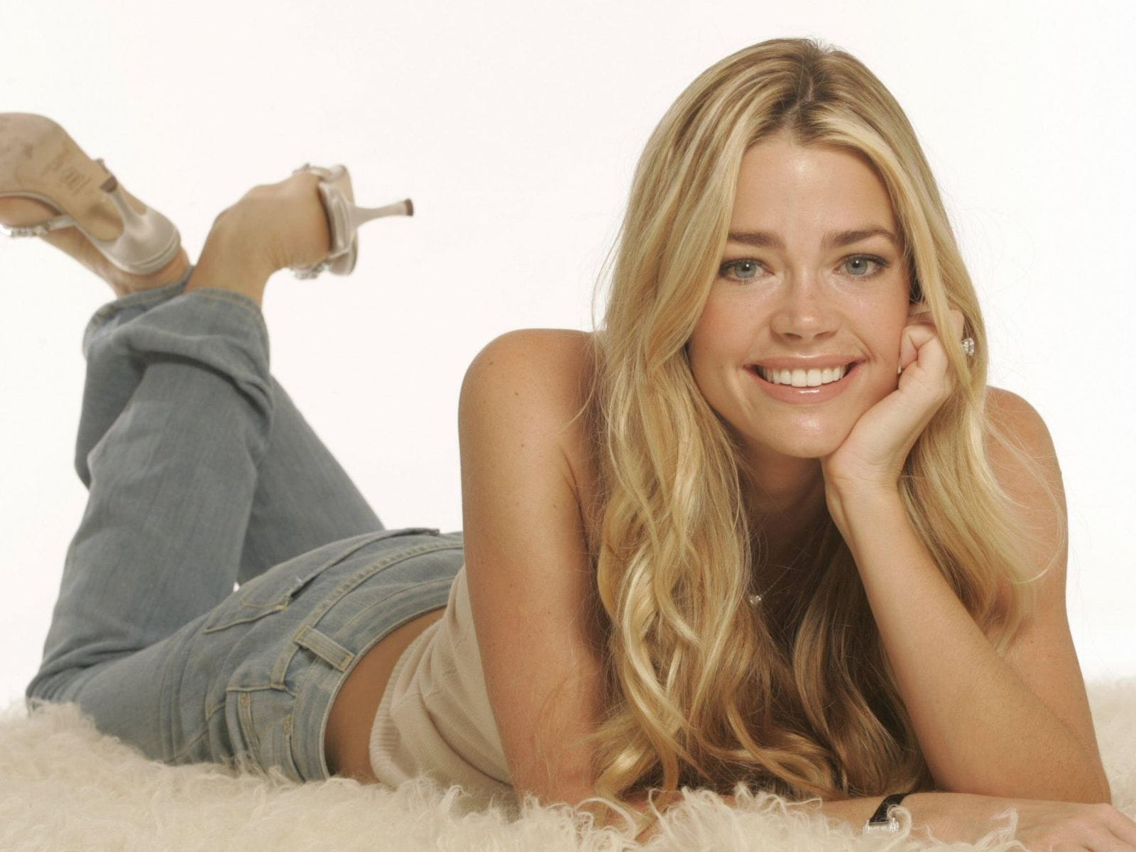 Denise Richards Wallpapers