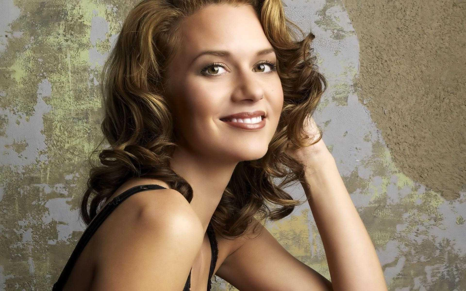 Hilarie Burton Wallpapers