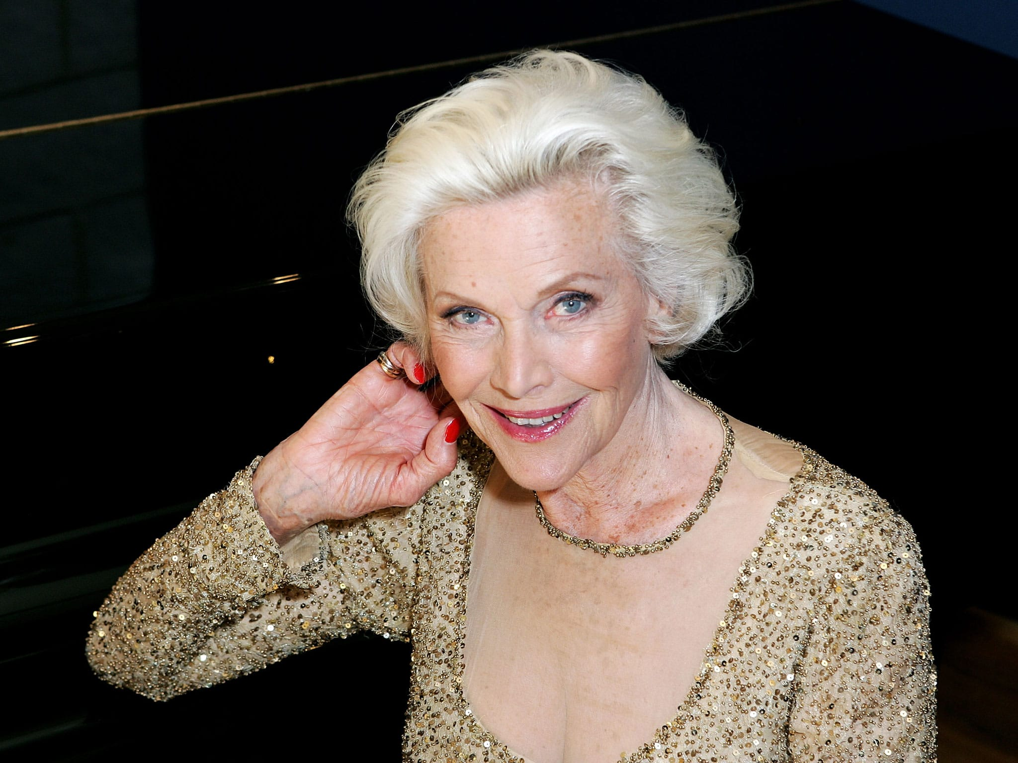 Honor Blackman Wallpapers