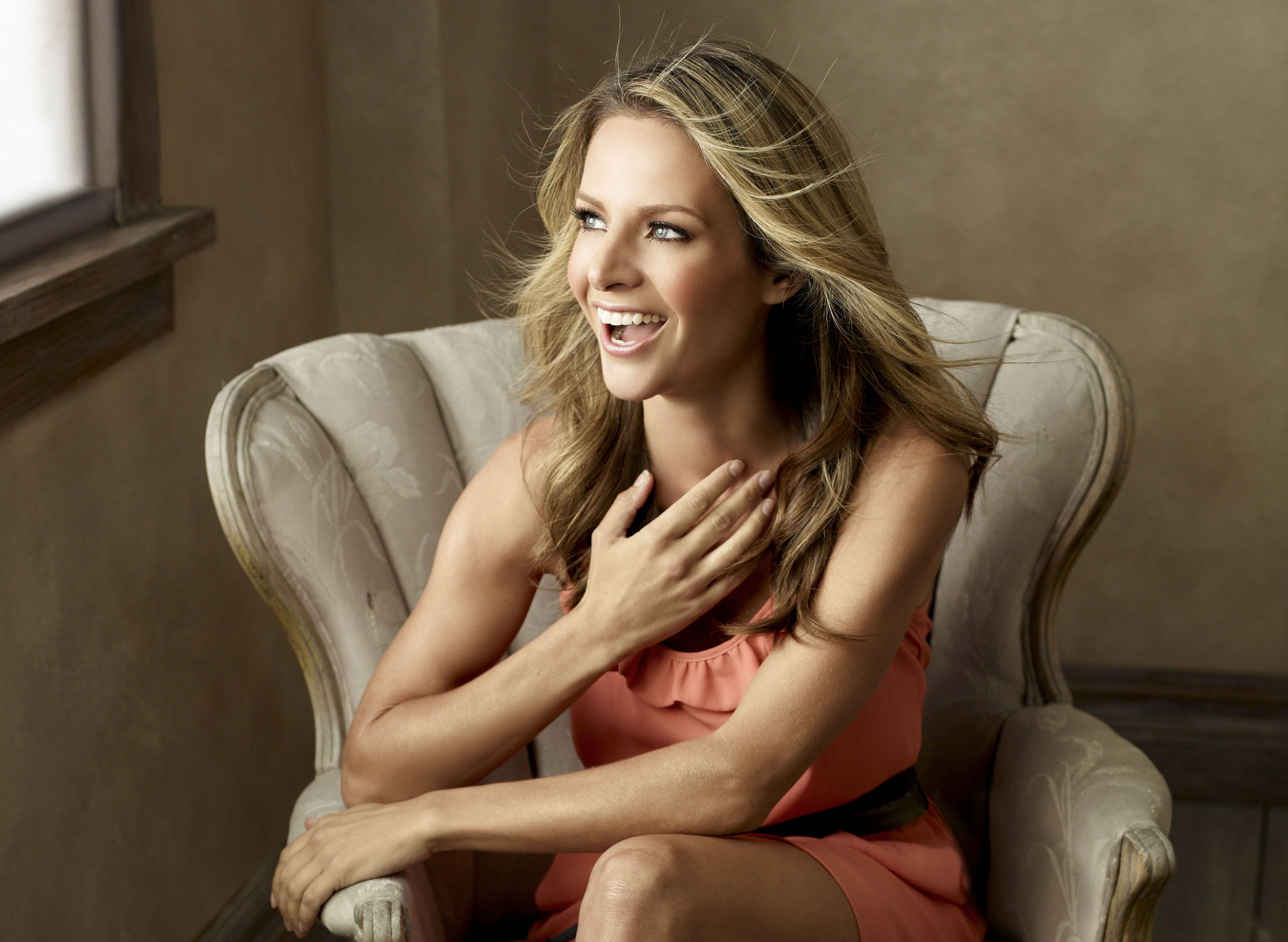 Jessalyn Gilsig Wallpapers