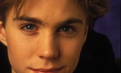 Jonathan Brandis Wallpapers