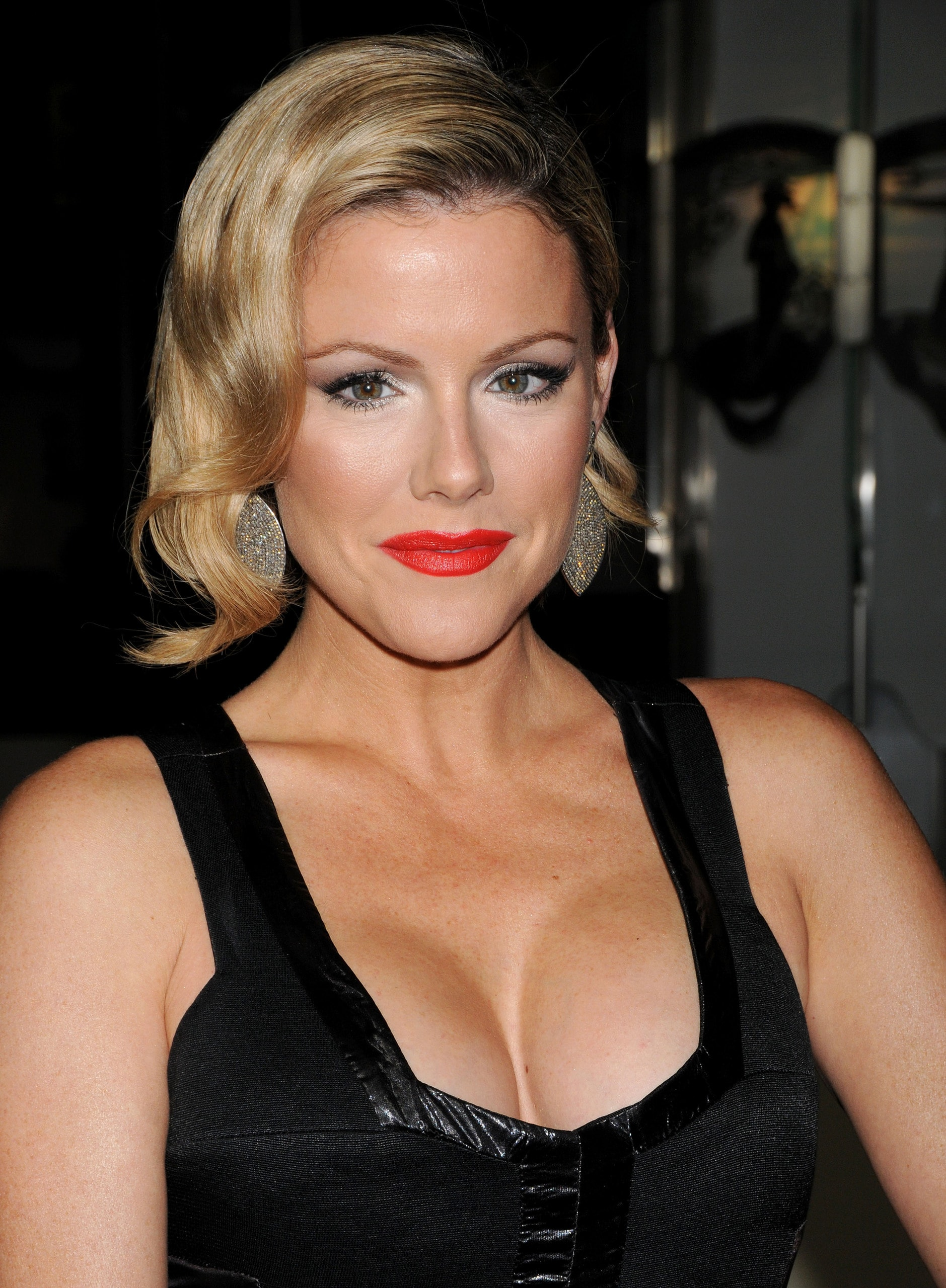 Kathleen Robertson Wallpapers