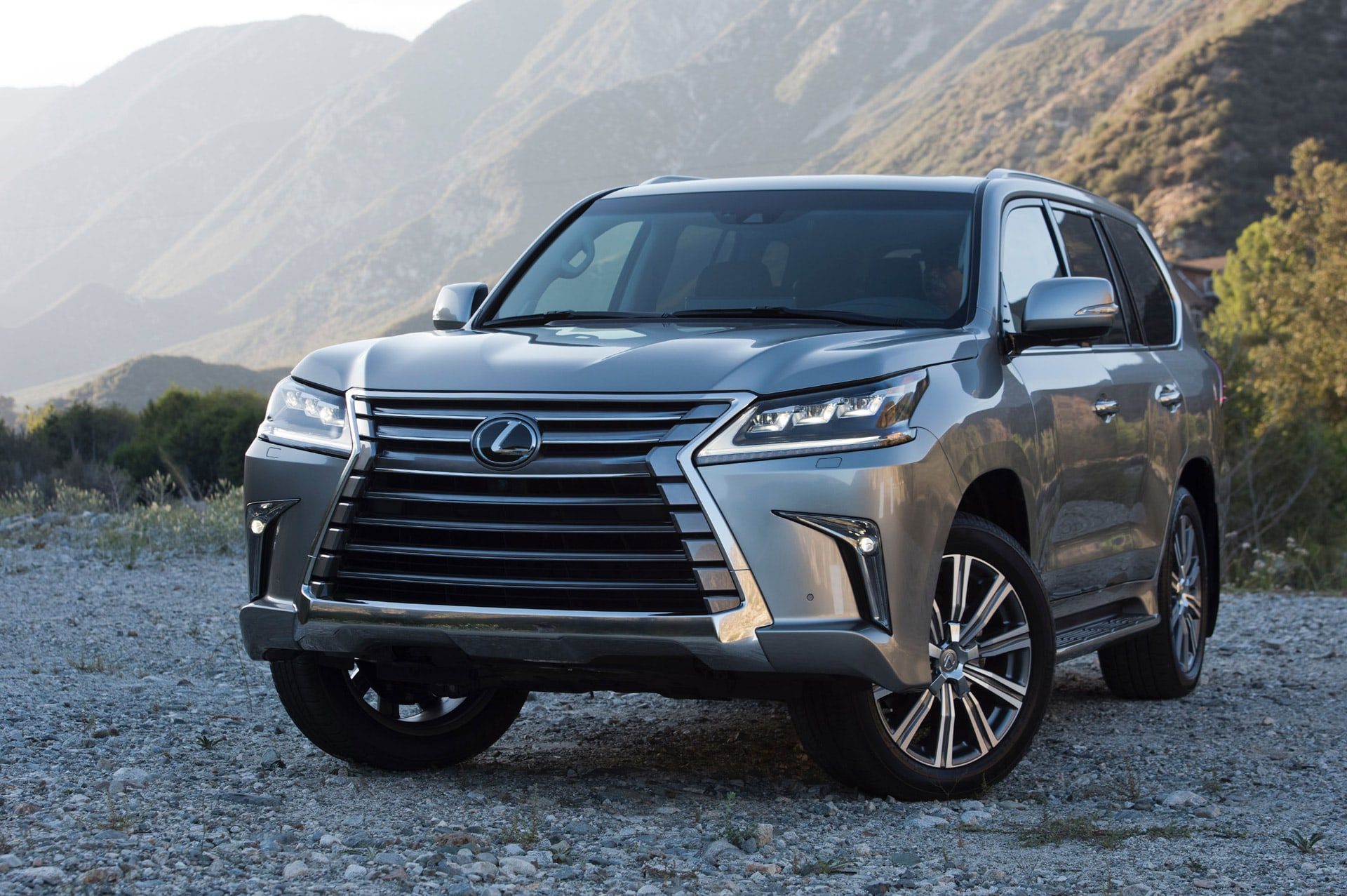 Lexus LX 570 FL Wallpapers