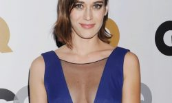 Lizzy Caplan Wallpapers