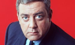 Raymond Burr Wallpapers
