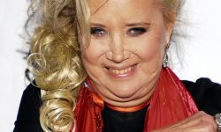 Sally Kirkland Wallpapers