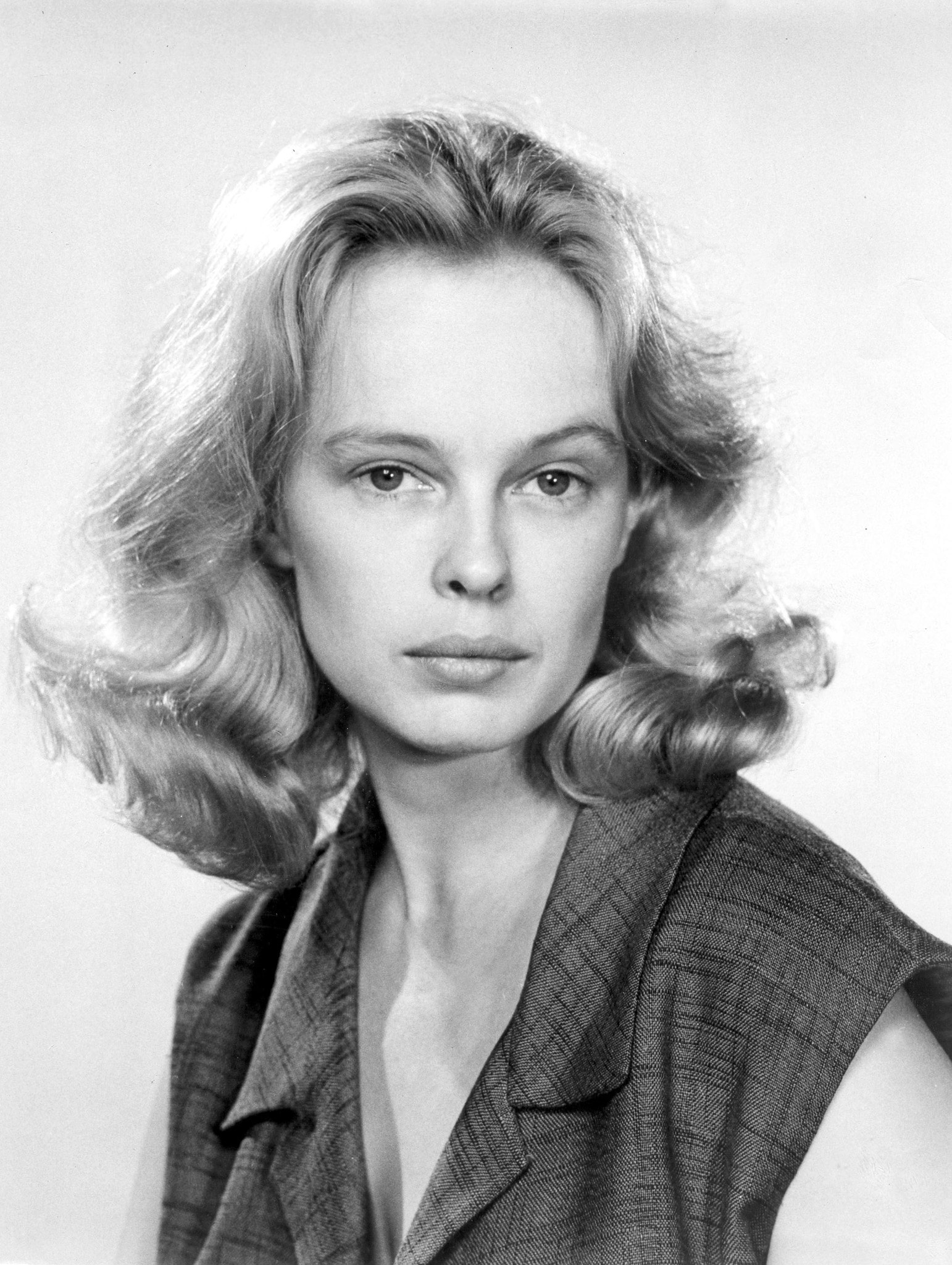 Sandy Dennis Wallpapers