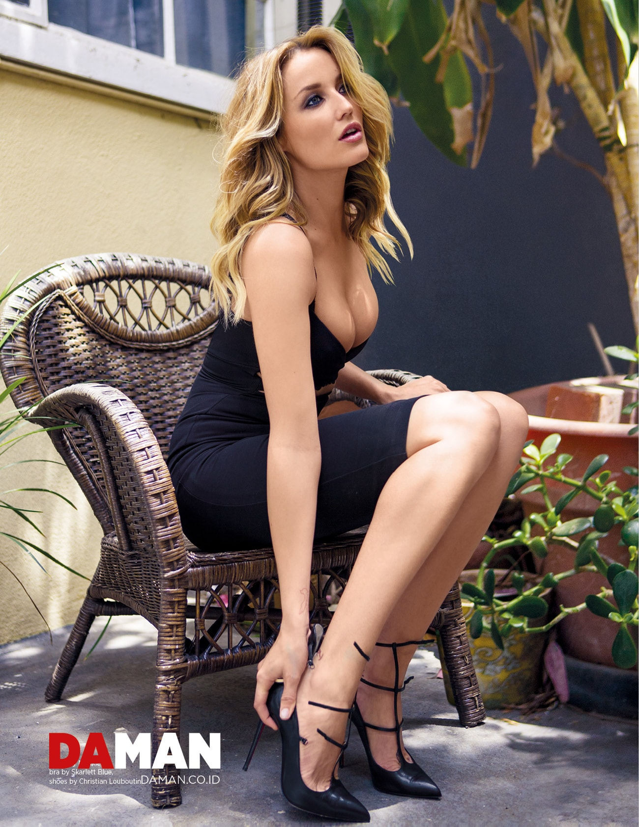 Sarah Dumont Wallpapers