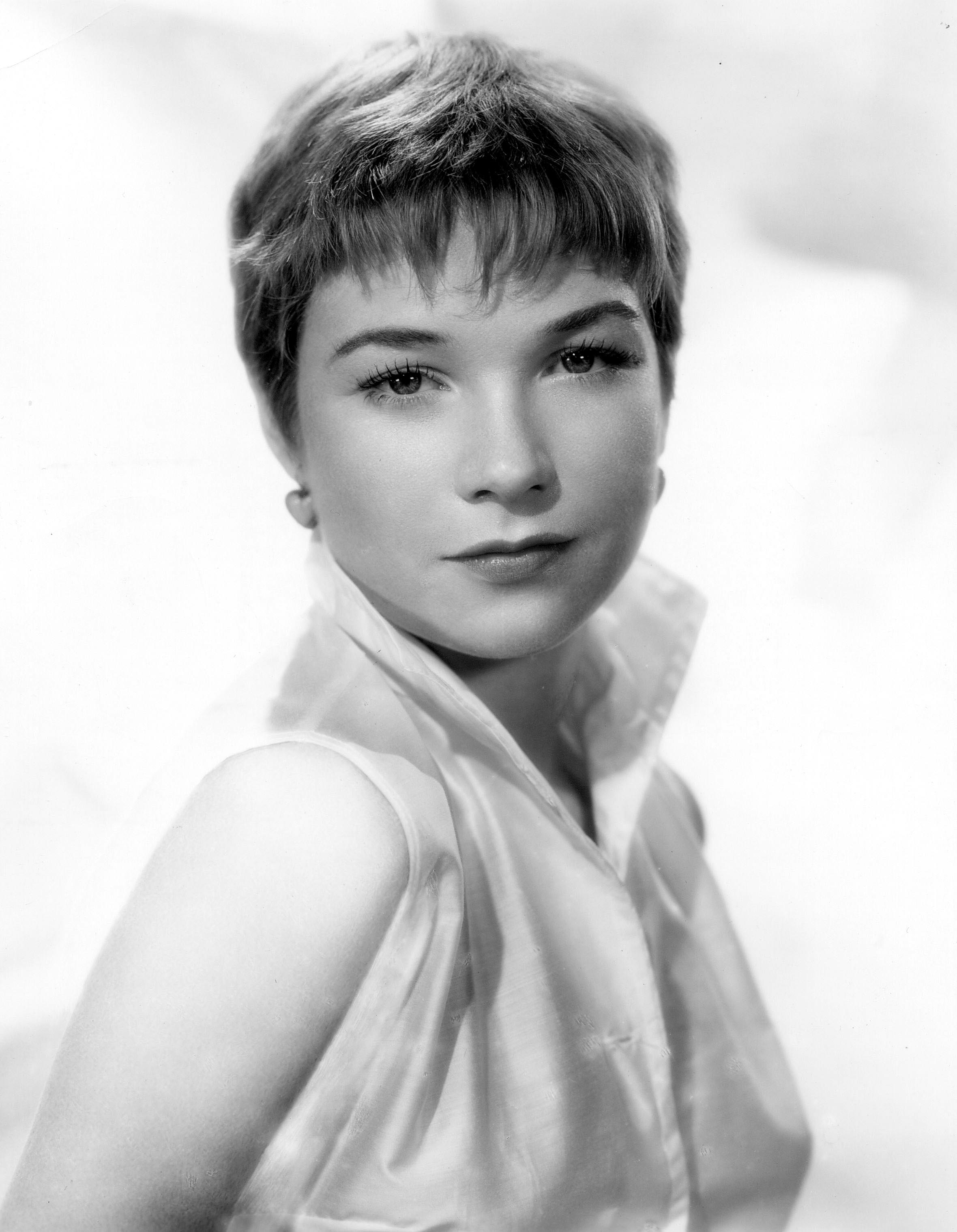 Shirley MacLaine Wallpapers