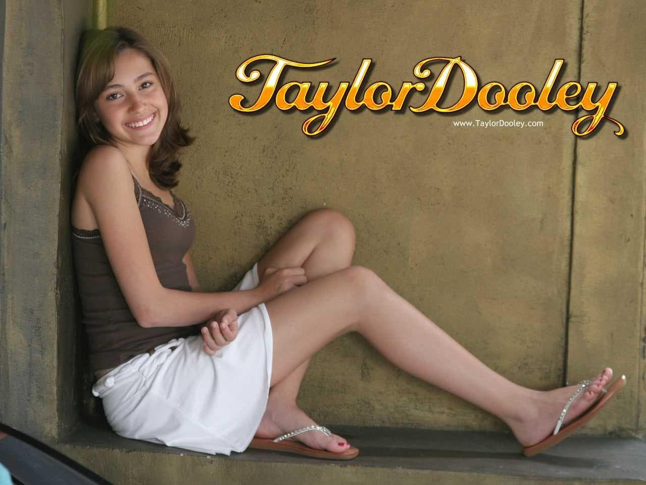 Taylor Dooley Wallpapers