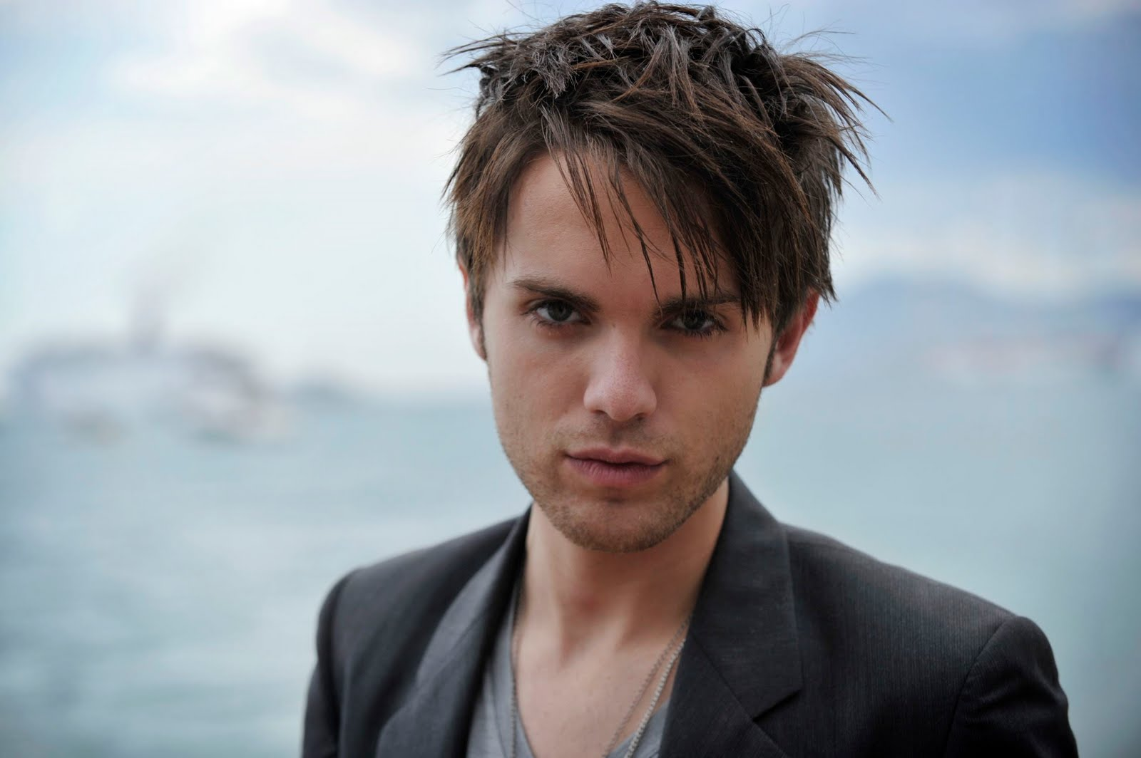 Thomas Dekker Wallpapers