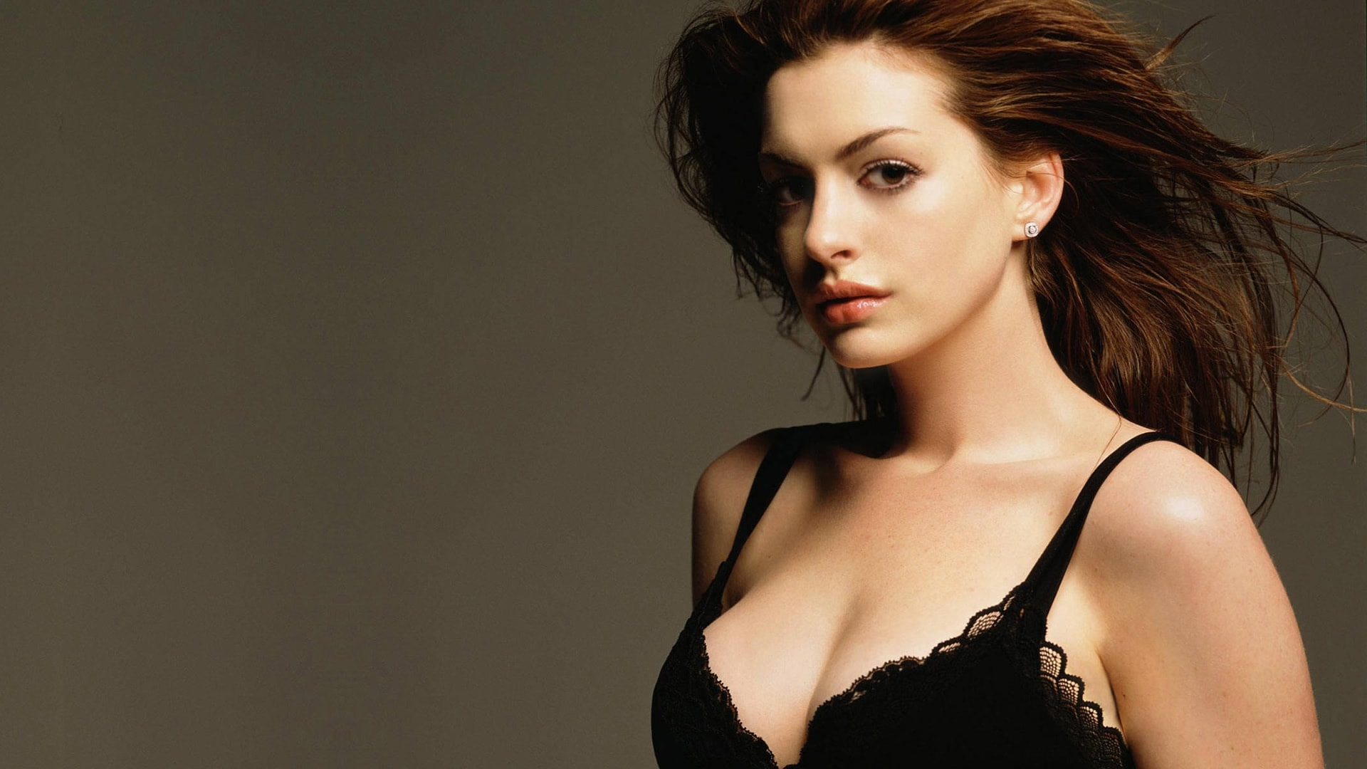 Anne Hathaway HD pictures
