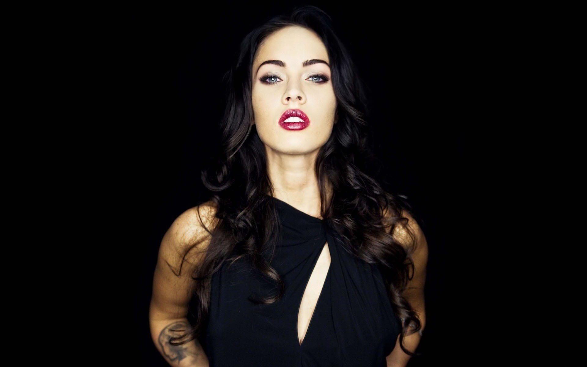 Megan Fox full hd wallpapers