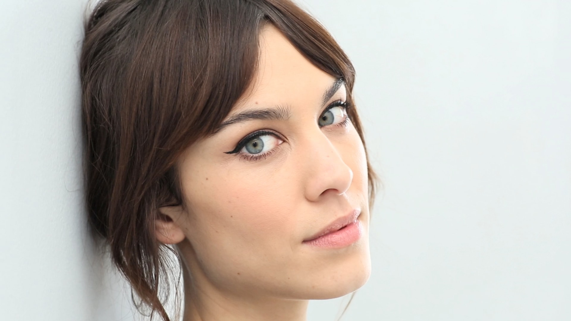 Alexa Chung widescreen wallpapers