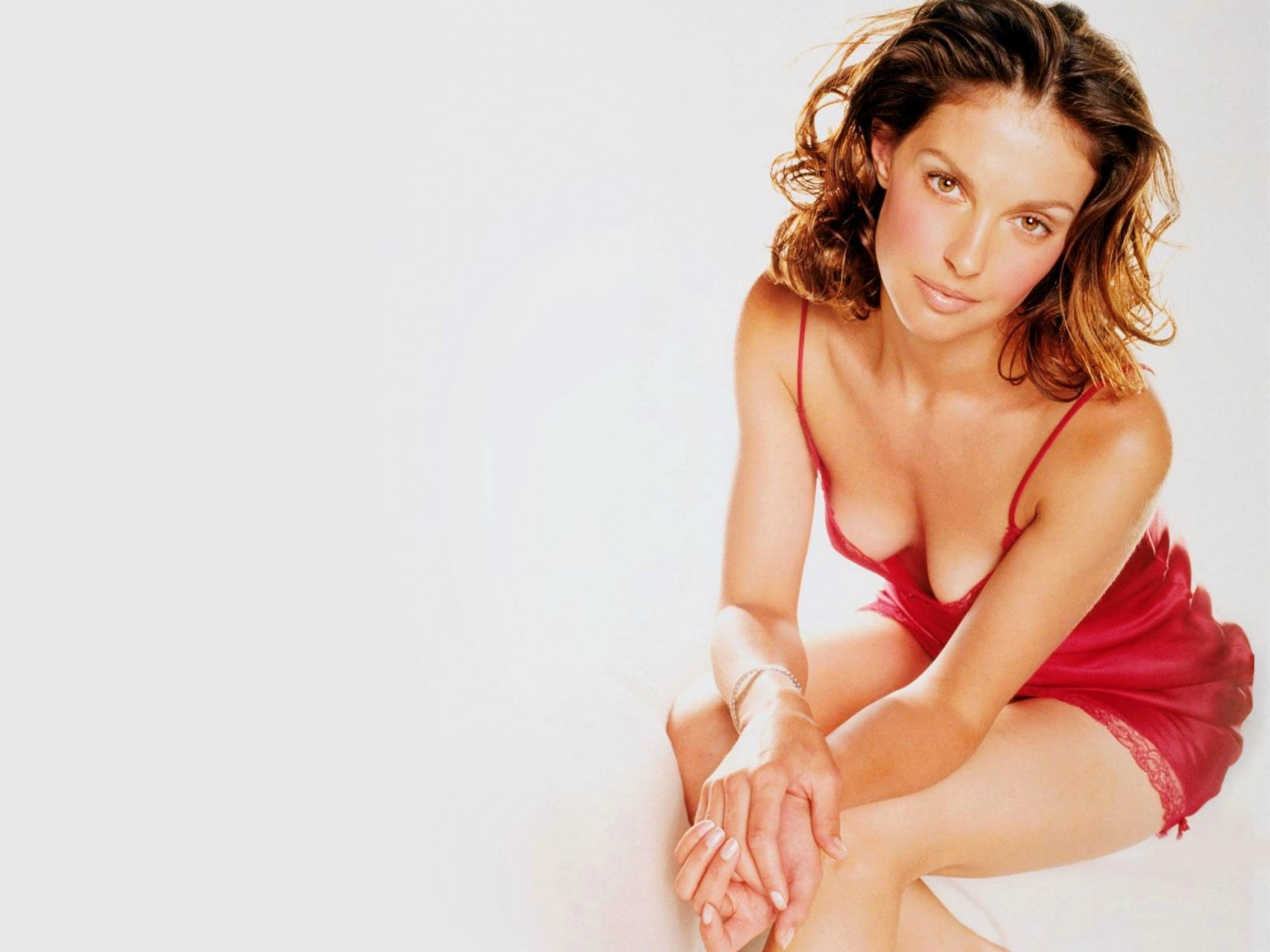 Ashley Judd widescreen wallpapers
