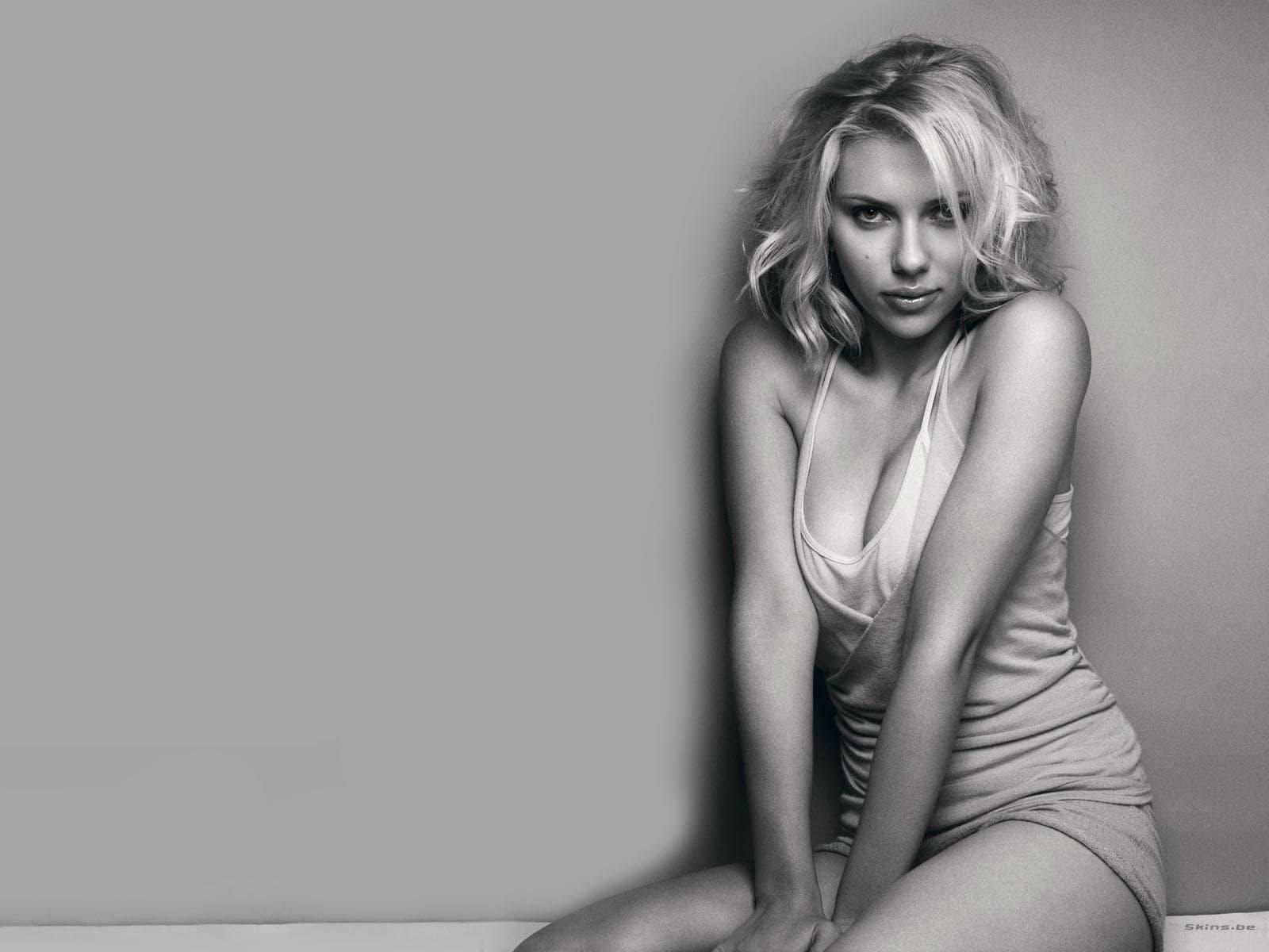 Scarlett Johansson widescreen wallpapers
