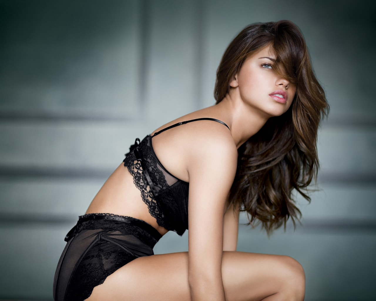 Adriana Lima HD pictures