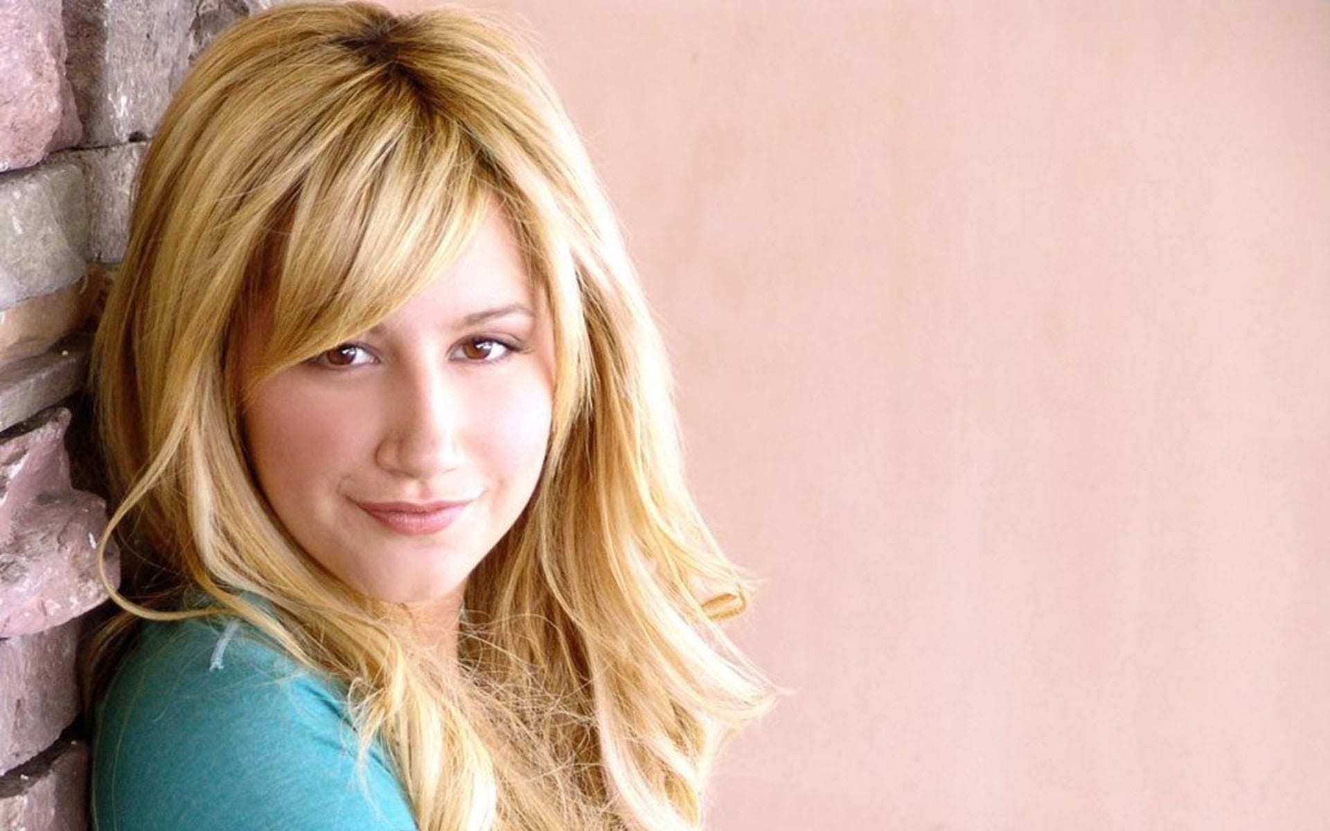 Ashley Tisdale for mobile