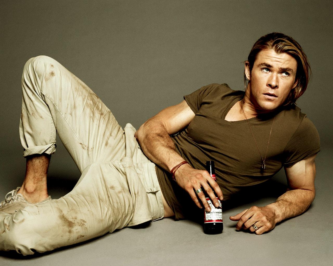 Chris Hemsworth for mobile
