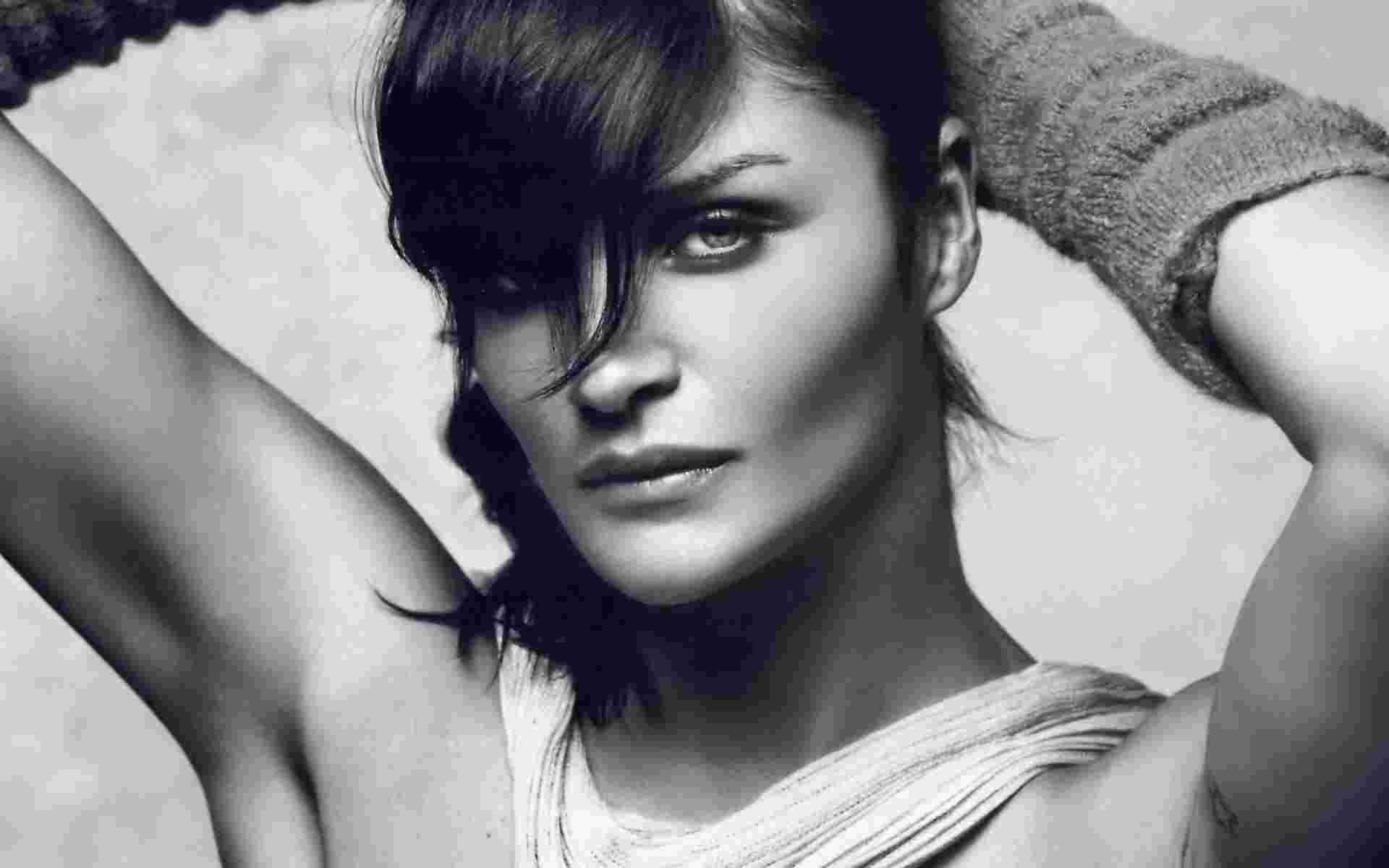 Helena Christensen HD pics