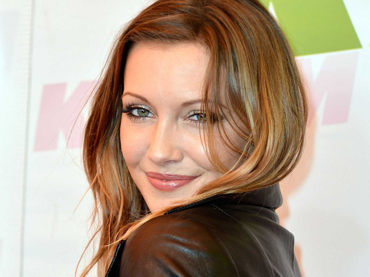 Katie Cassidy for mobile
