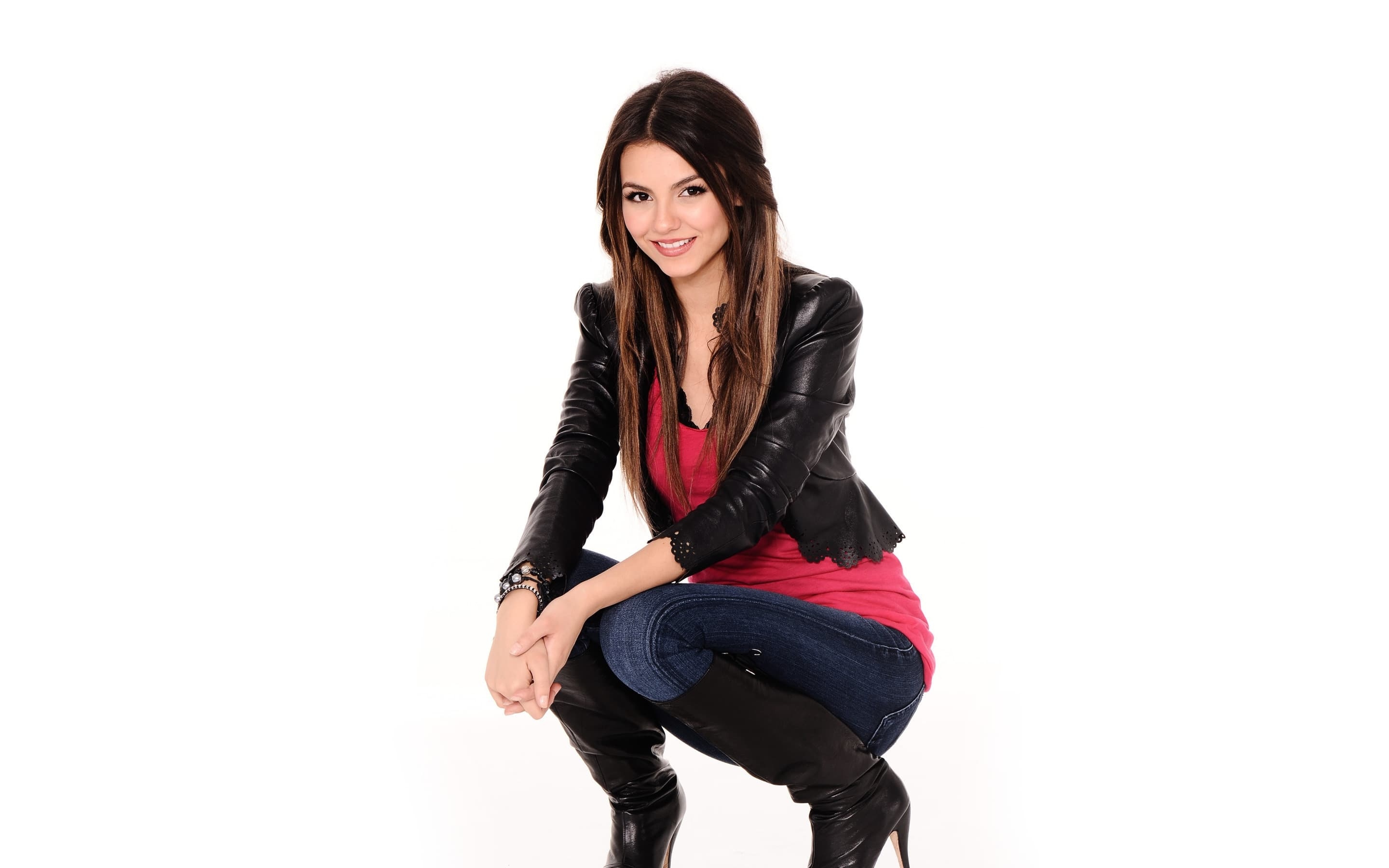 Victoria Justice Backgrounds