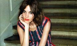 Alexa Chung widescreen for desktop