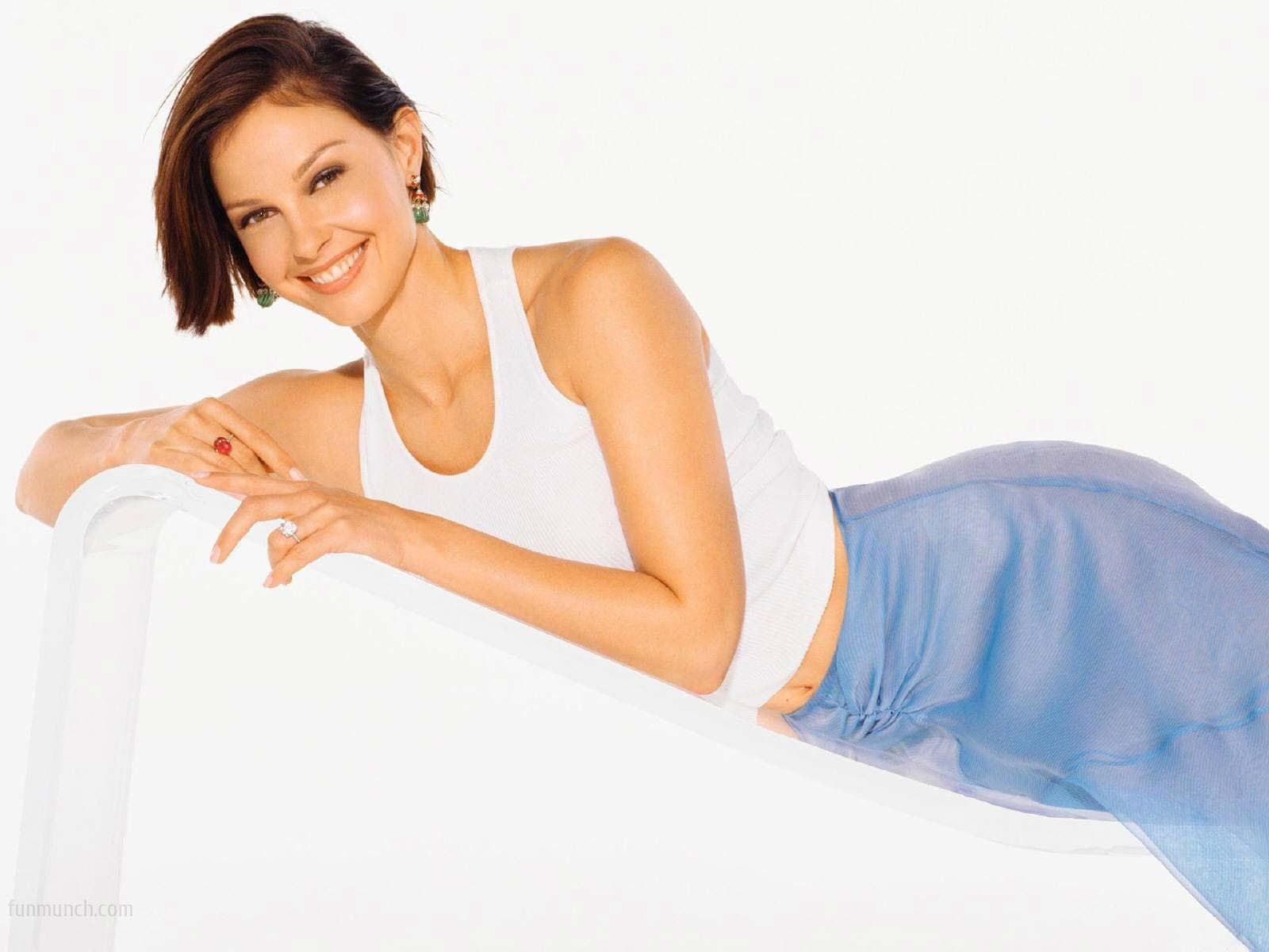 Ashley Judd widescreen for desktop