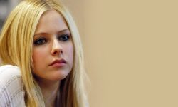 Avril Lavigne widescreen for desktop