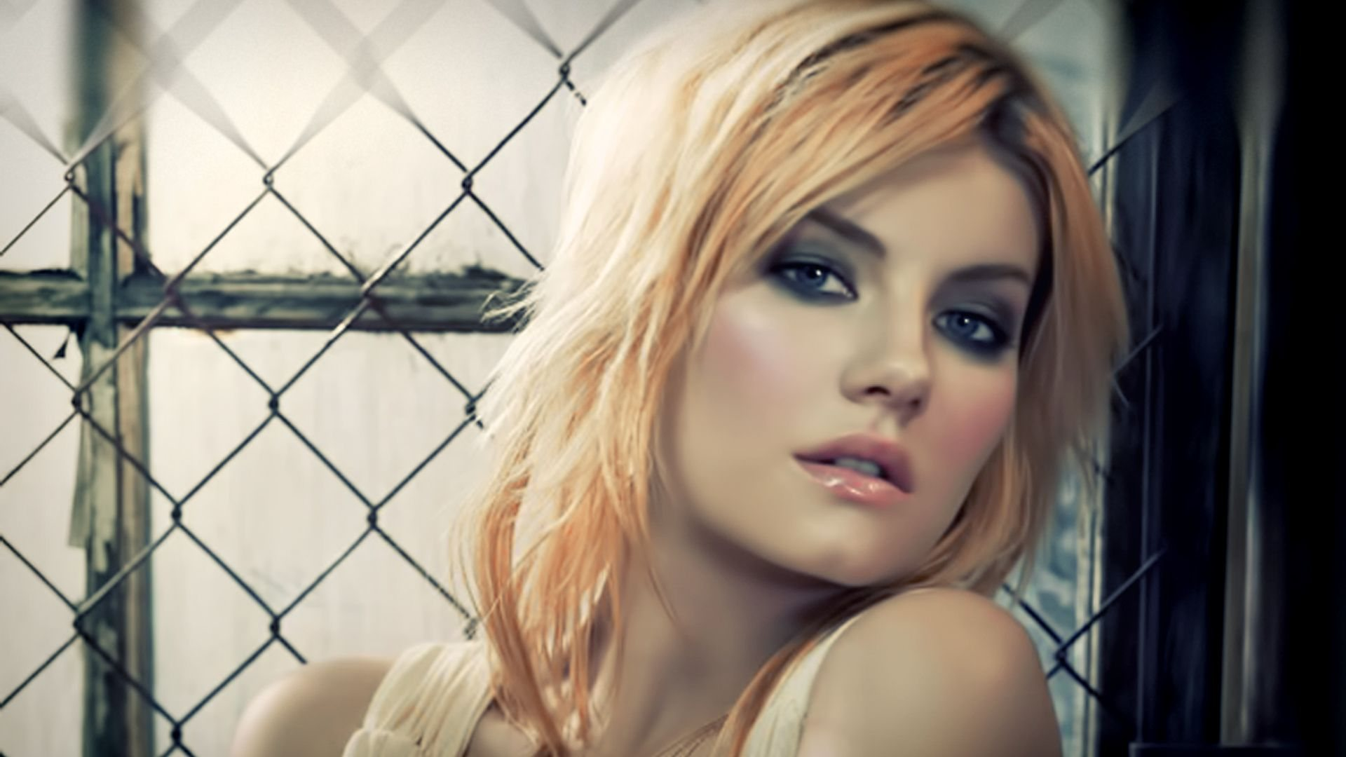 Elisha Cuthbert widescreen for desktop