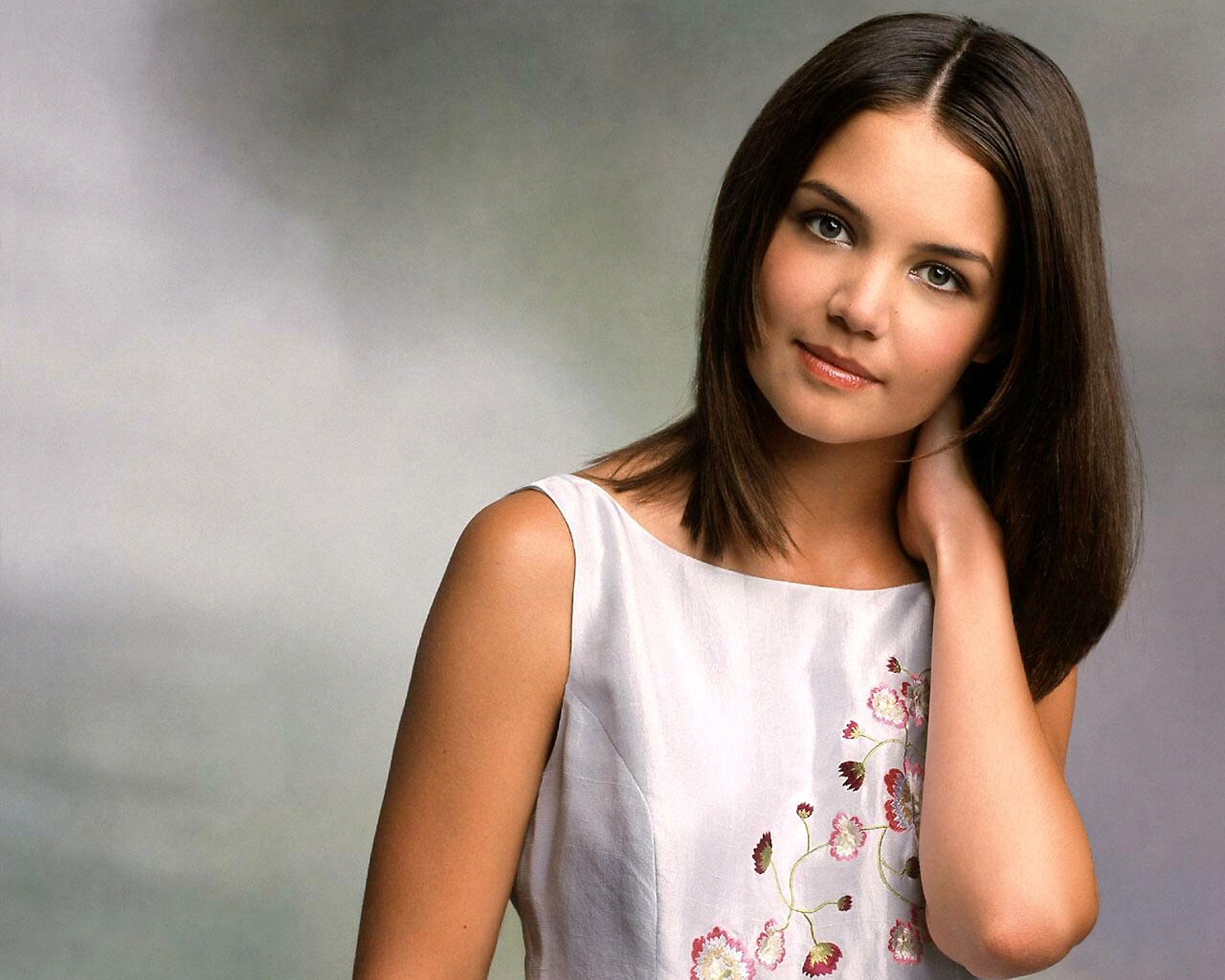 Katie Holmes widescreen for desktop