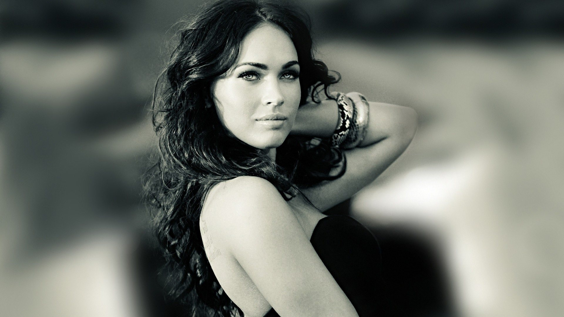 Megan Fox widescreen for desktop